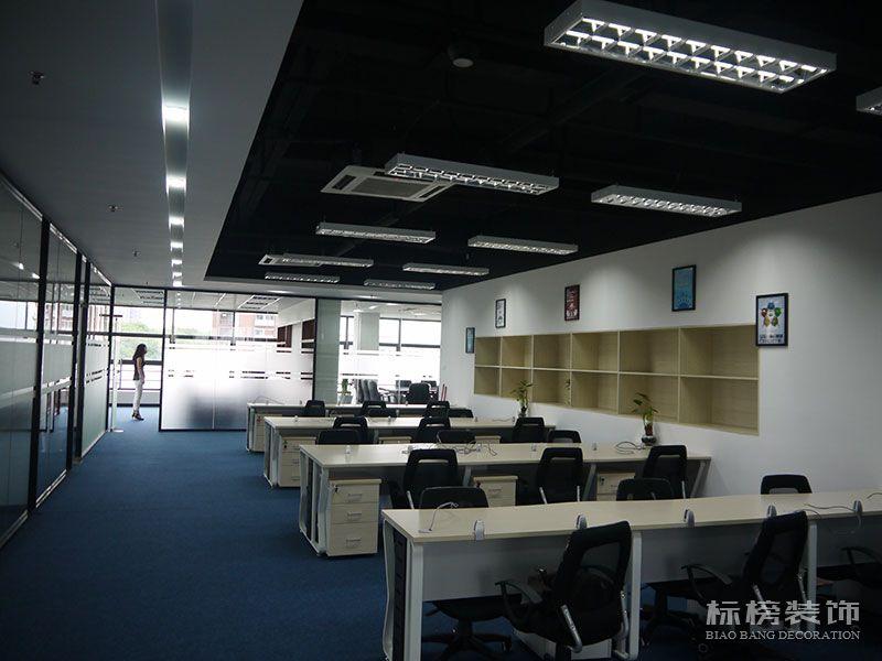 南山区TCL产业园思珀锐激光办公室装修3