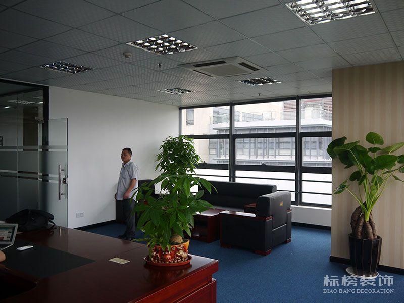 南山区TCL产业园思珀锐激光办公室装修7